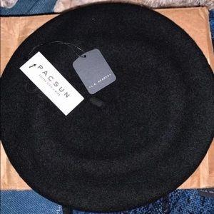 100% Wool Beret in Black